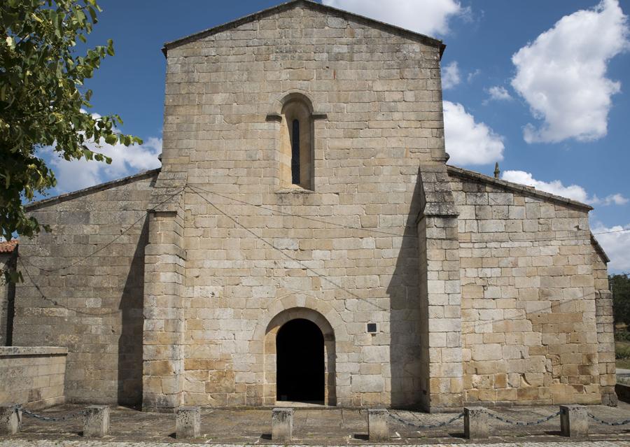 Entrada para a igreja