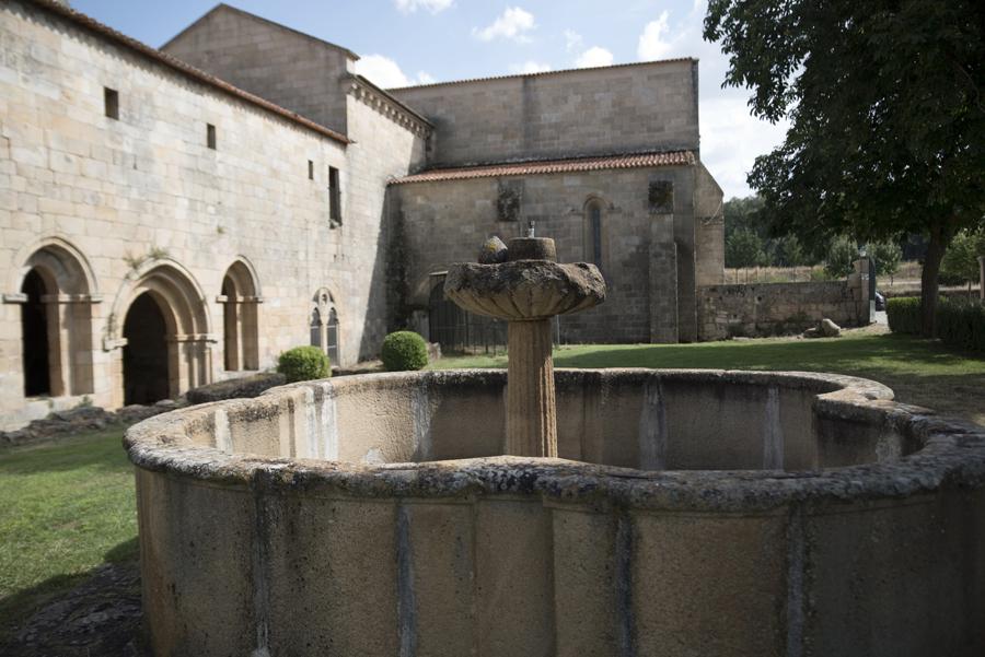 Fonte no jardim do Convento