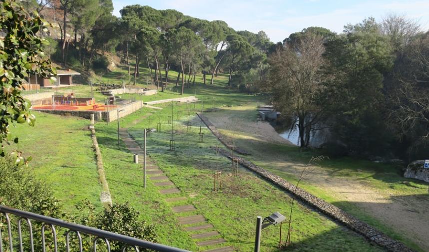 O parque e a praia fluvial