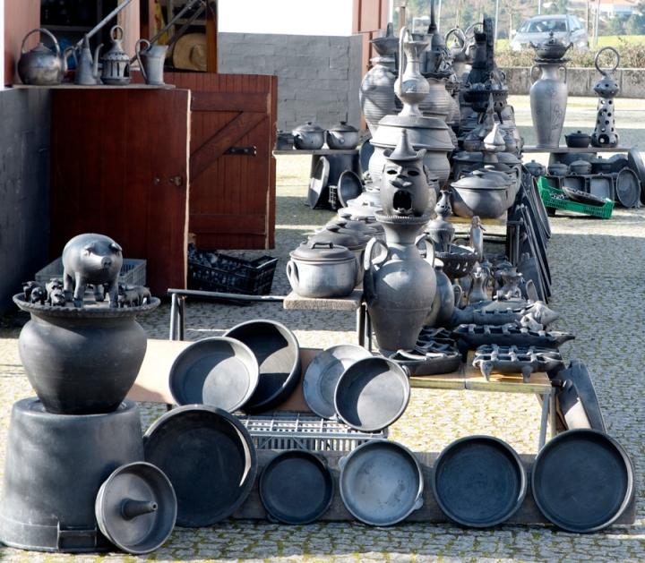 Várias peças em exposiação em Vila Real para venda