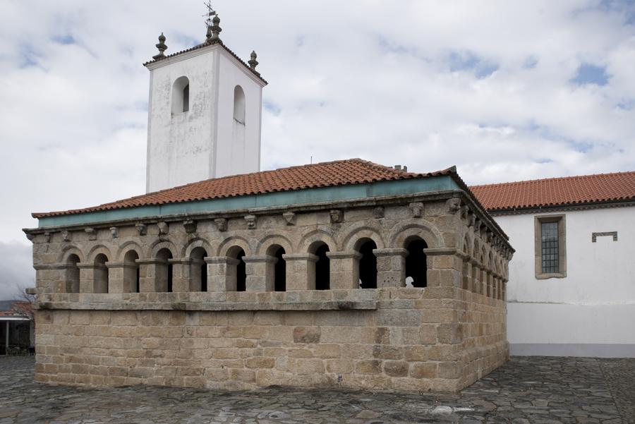Domus e a igreja