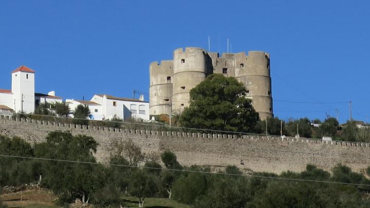 O castelo é visivel de muito longe