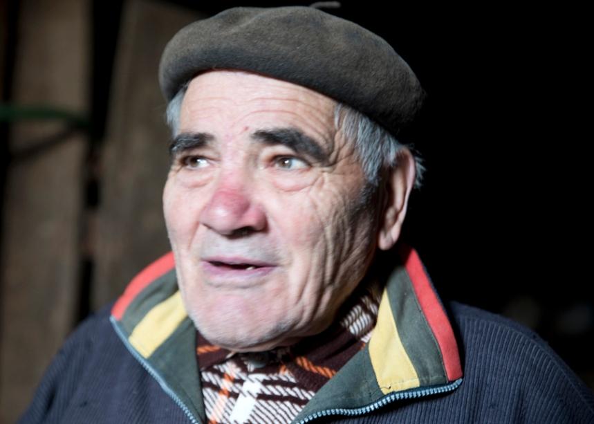 João Patolas pode ser o último artesão da Cestaria de Nandufe