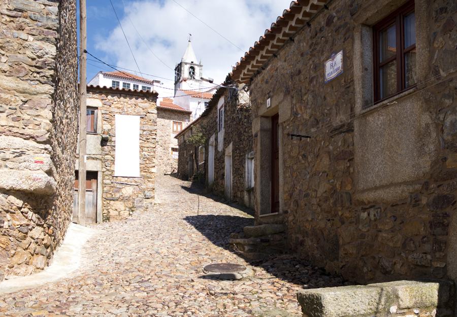 Rua na aldeia de Penha Garcia