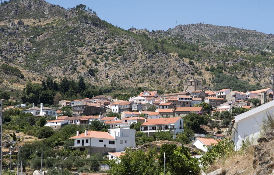 Castelo Novo protegido pela Serra da Gardunha