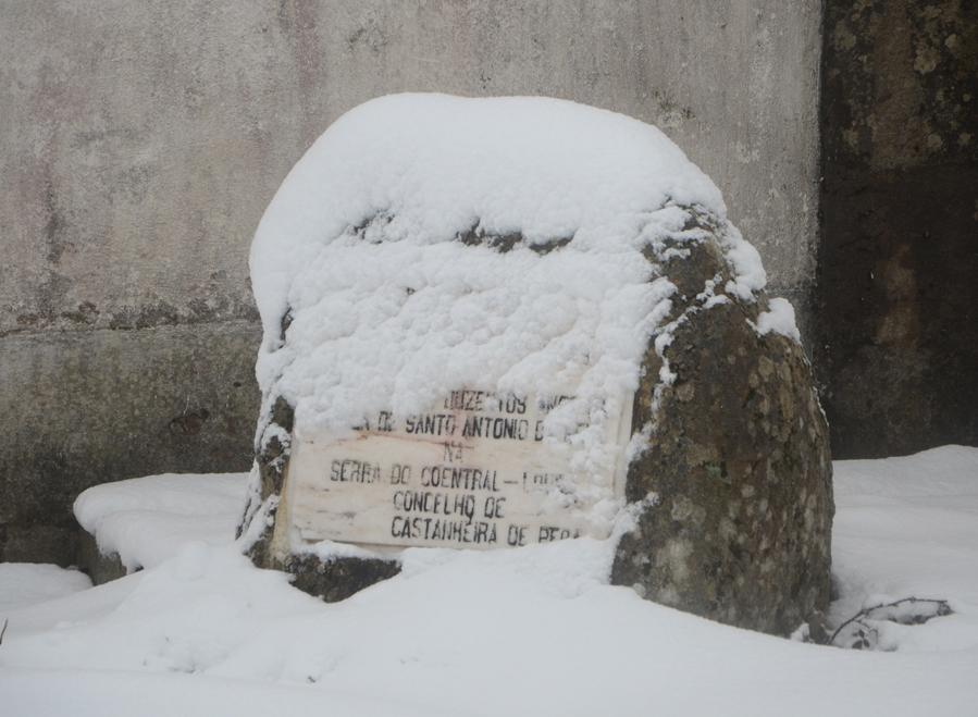 Referência no local aos poços neveiros ©Jorge Nunes