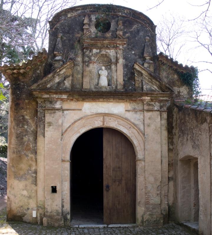 Entrada para a casa dos silos com uma imagem de Santo António do qual o neveiro mor era um grande devoto
