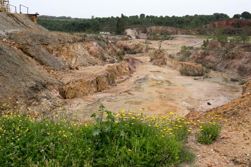 Vista da corta da mina