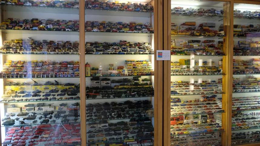 Miniaturas e brinquedos antigos