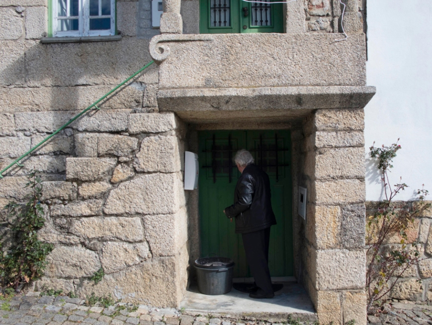 Adelino Domingues na casa em Vale da Senhora da Póvoa