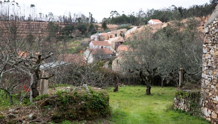 A aldeia e a zona de proteção