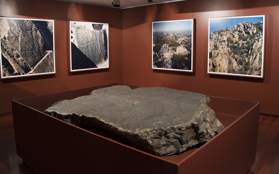 Réplica de uma gravura rupestre descoberta junto ao Ocreza