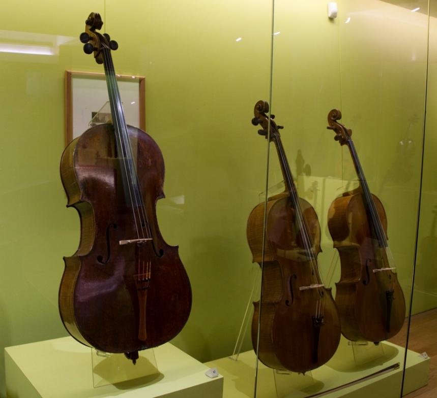 Violoncelo Stradivarius Chevillard - Rei de Portugal