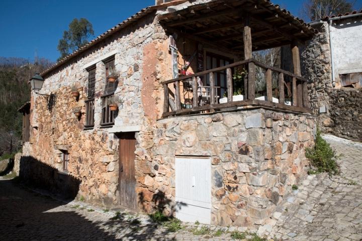 Casa na aldeia de S. Simão