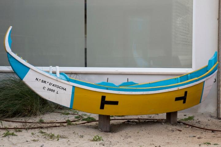 Réplica de um barco no Centro de Arte Xávega