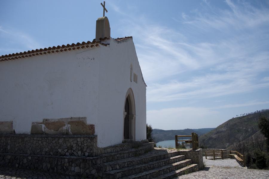 A capela e o enquadramento natural