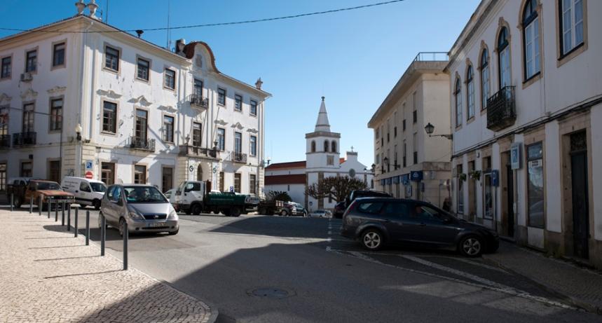 Rua no centro de Figueiró dos Vinhos
