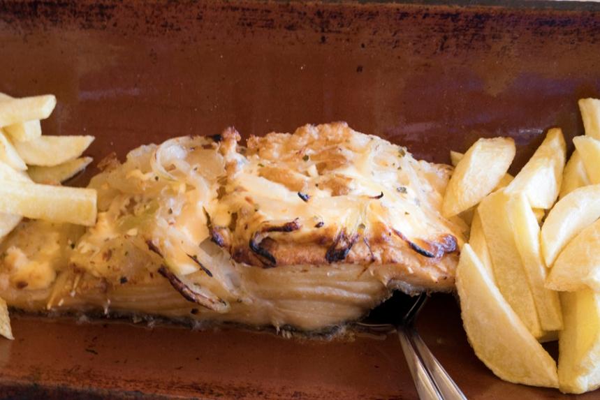 Bacalhau na Telha do restaurante Herdade do Clube de Tiro