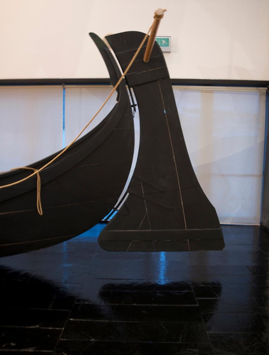 Detalhe de uma das embarcações tradicionais de madeira