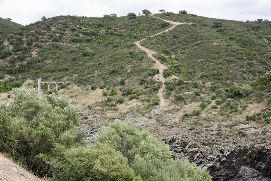Caminho do lado da Mina de S. Domingos