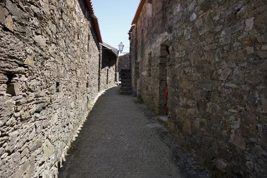 Uma muralha de xisto