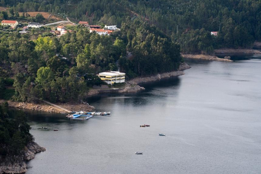 Praia fluvial na Albufeira do Cabril