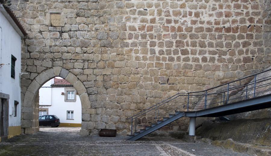 Porta de Montalvão