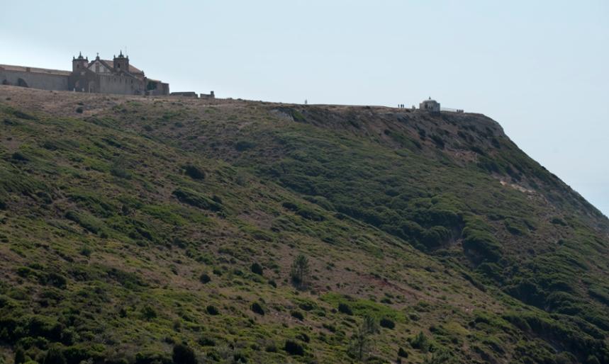 Vista do santuário da Serra da Arrábida