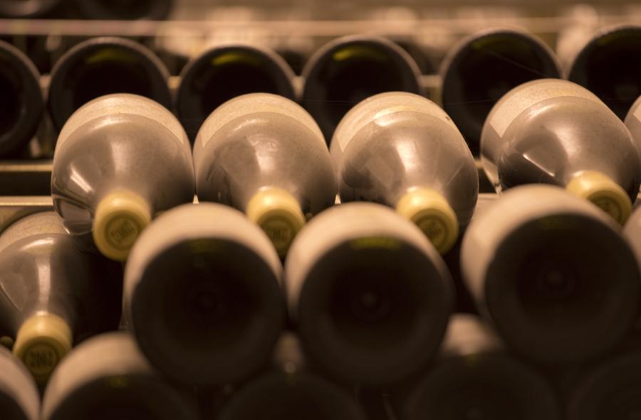Na adega há vinhos das duas últimas décadas