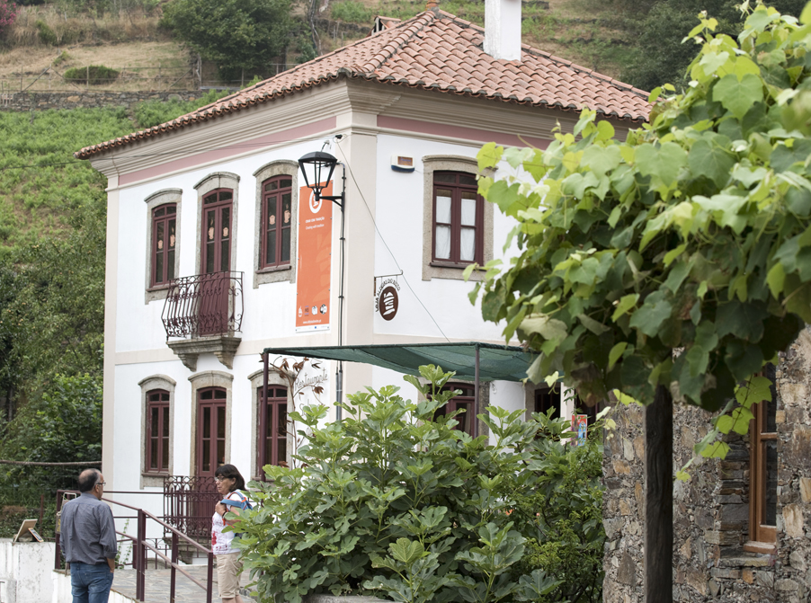 Restaurante e Loja do Xisto no Candal