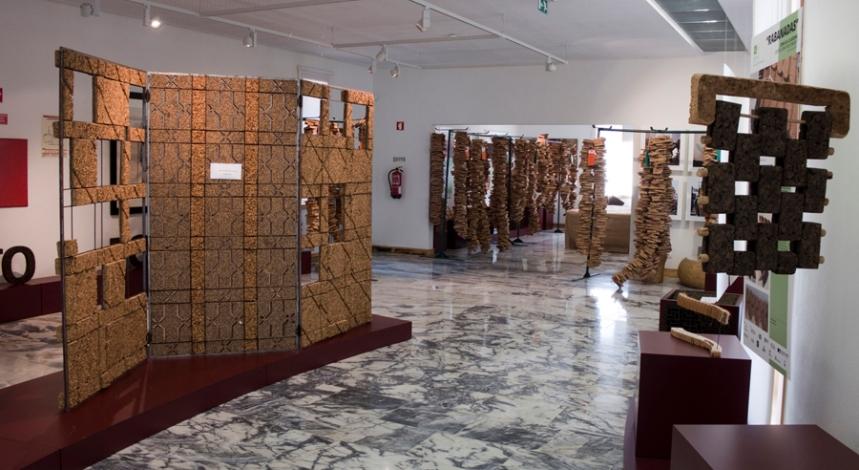 Exposição de vários objectos em cortiça