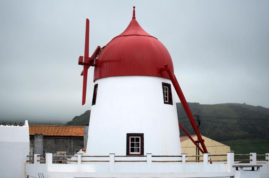 Museu do Moinho com a cupula vermelha