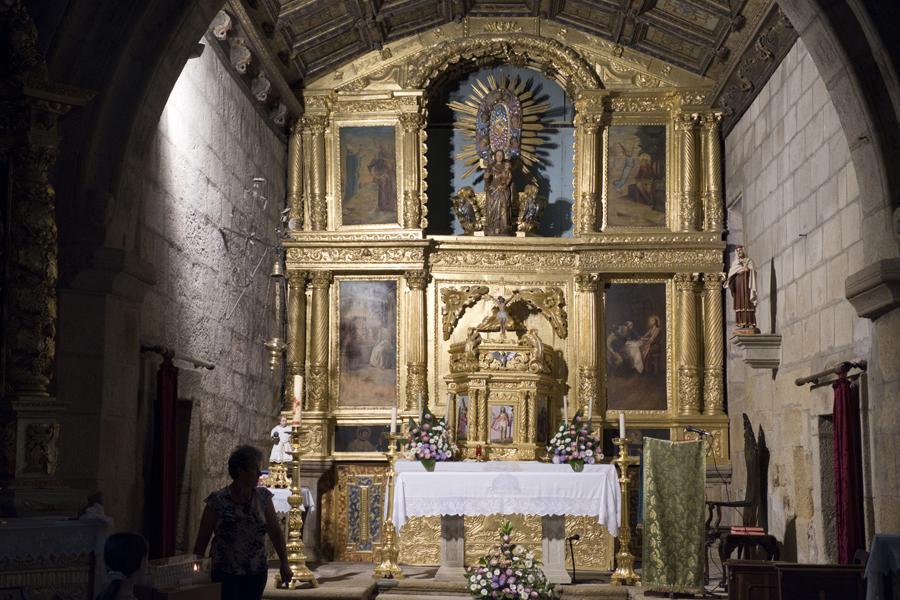 Altar da igreja de Algodres