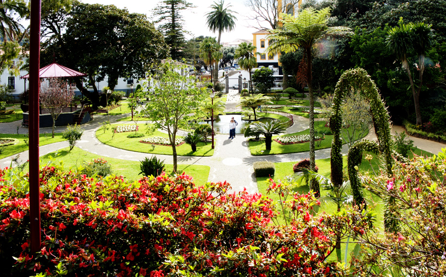 Jardim que dá acesso à Memória