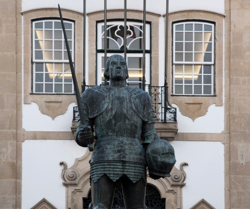 Estátua do Duque de Bragança na Praça de Camões