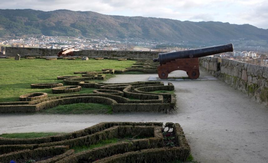 A vista dos jardins do castelo