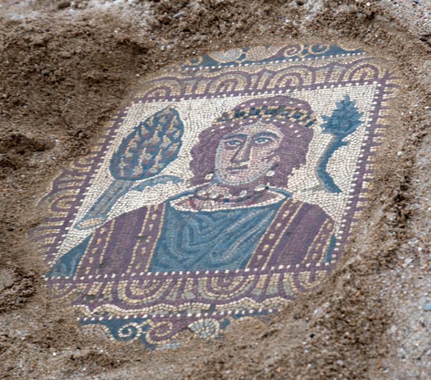 Os mosaicos encontrados estão em bom estado de conservação