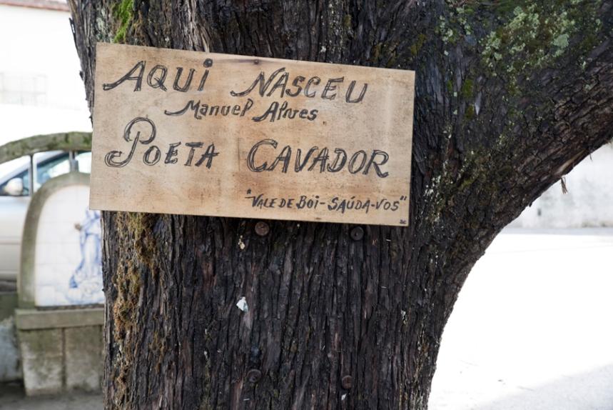 Placa à entrada de Vale de Boi