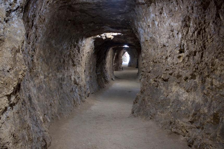 Todos estes corredores devem-se à extração de blocos de pedra de calcário