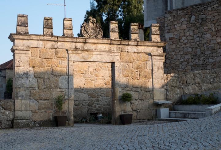 Entrada do pátio onde Aquilino Ribeiro nasceu