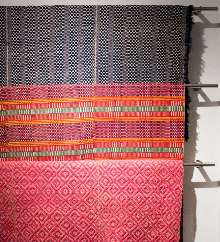 Tecidos feitos em teares artesanais