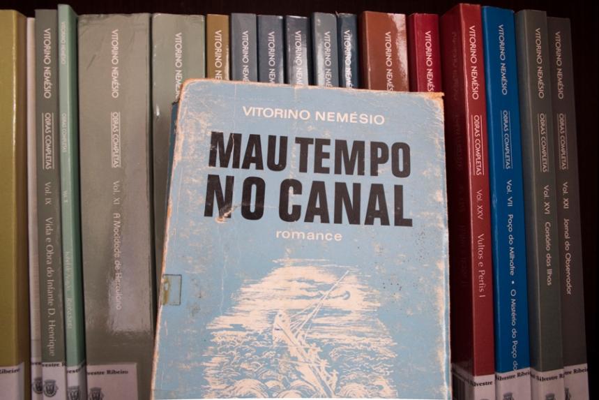 Exemplar de Mau Tempo No Canal
