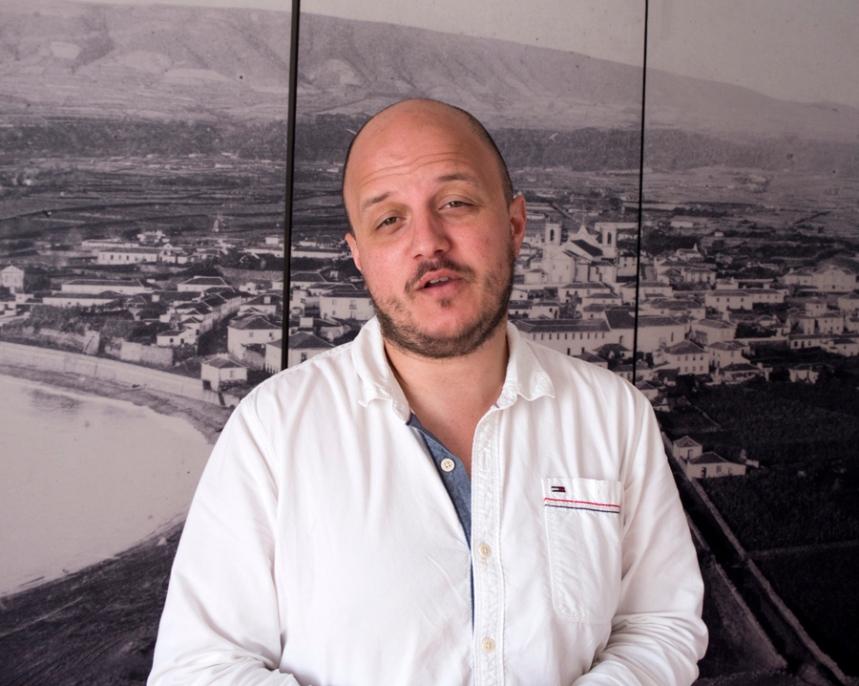 Pedro Machado, guia na Casa Museu Vitorino Nemésio