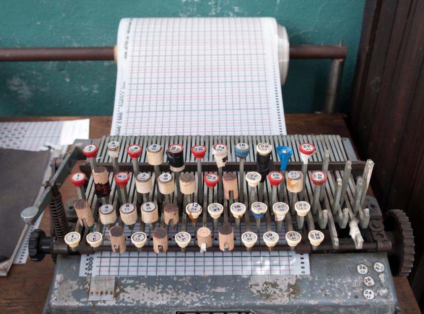 """A """"máquina de escrever palavras de fios"""""""