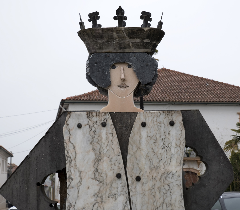 Escultura de D. Pedro da autoria de João Cutileiro
