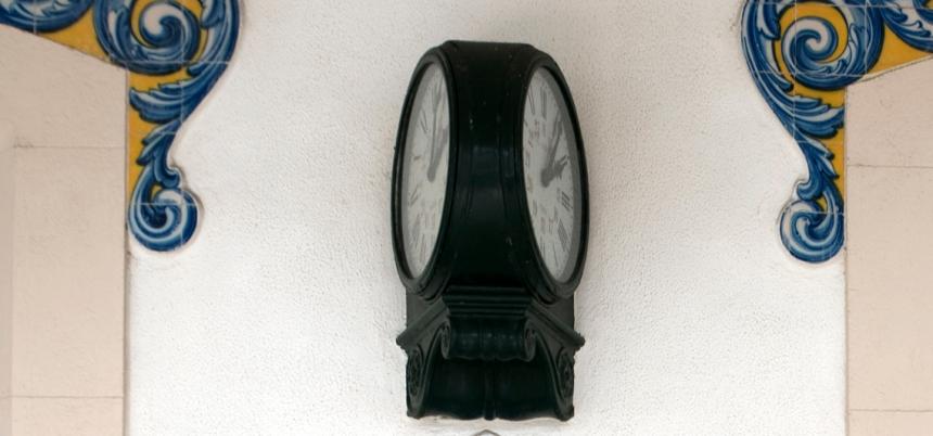 Relógio de dupla face