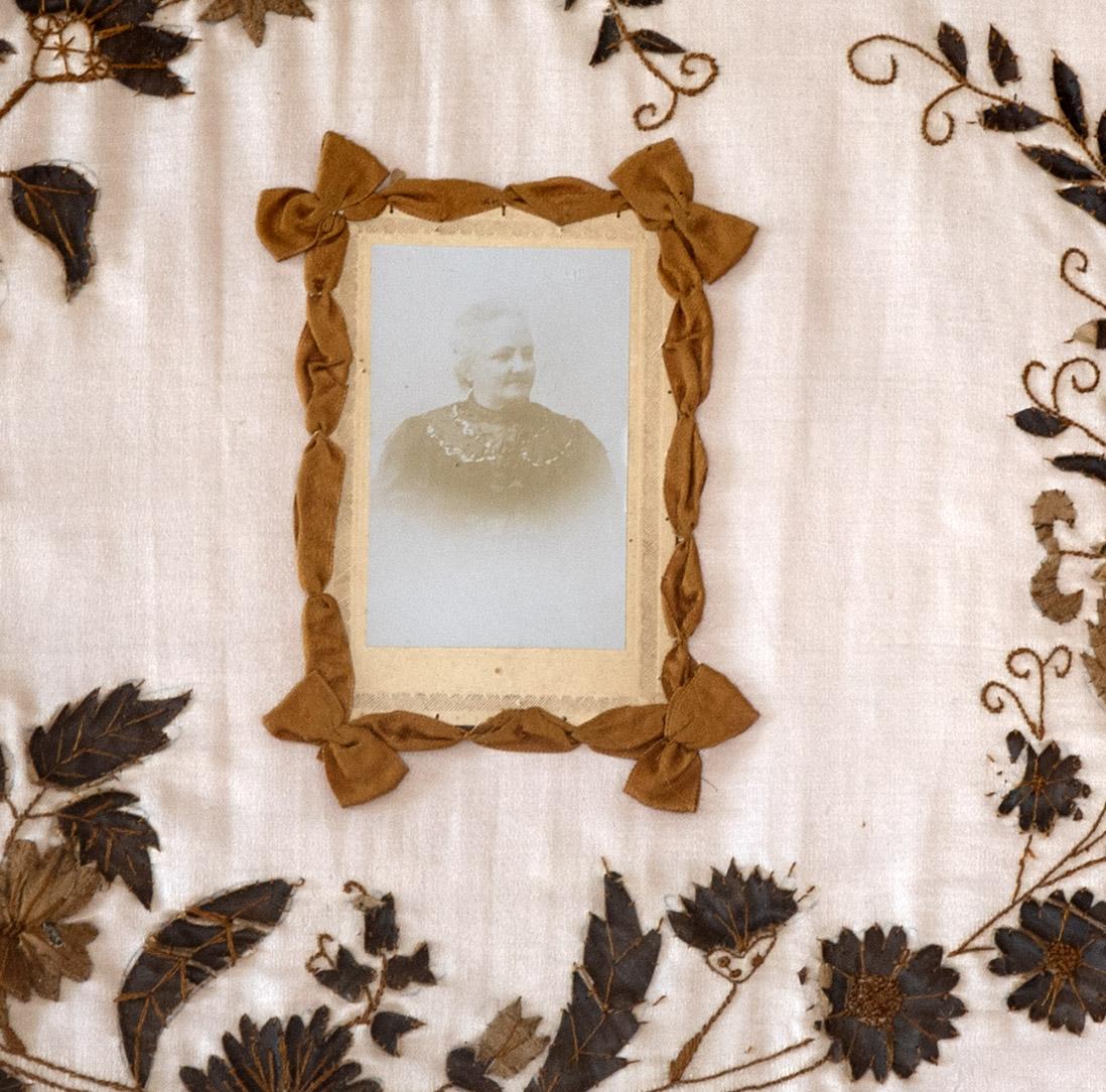 Parte do bordado em exposição no Museu de Marvão