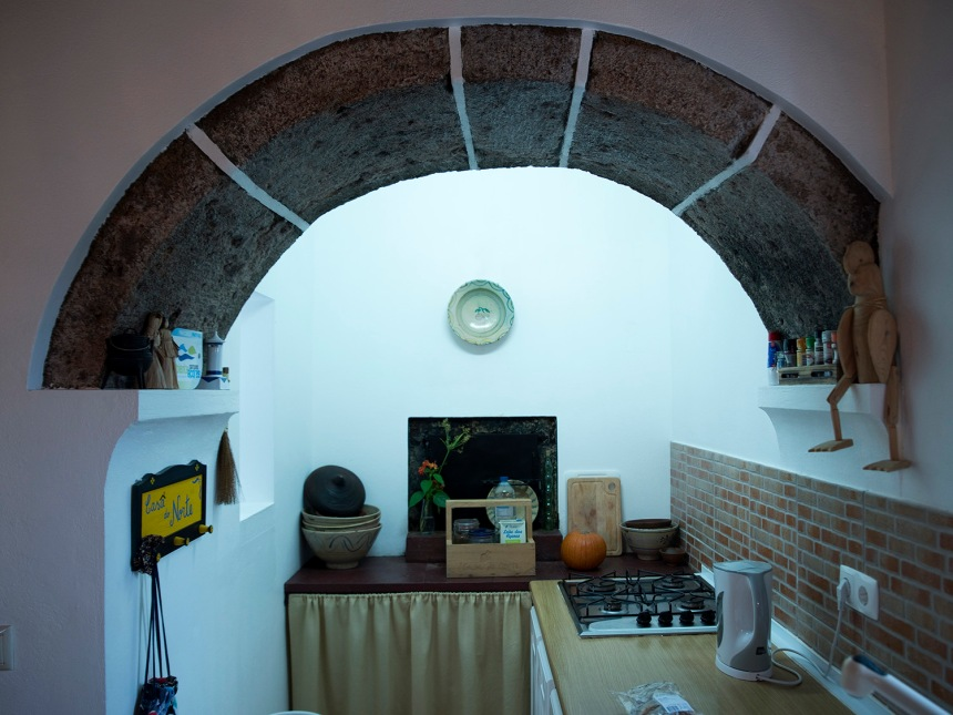 Interior da casa na área do forno