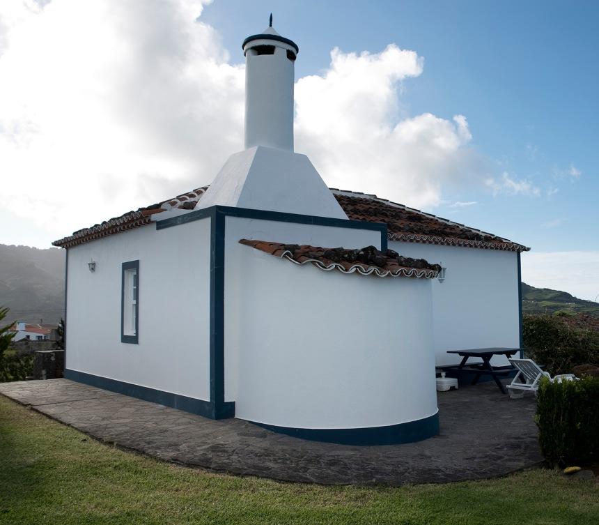 Casa de Laurinda Sousa em Santa Bárbara com parte do forno recuado