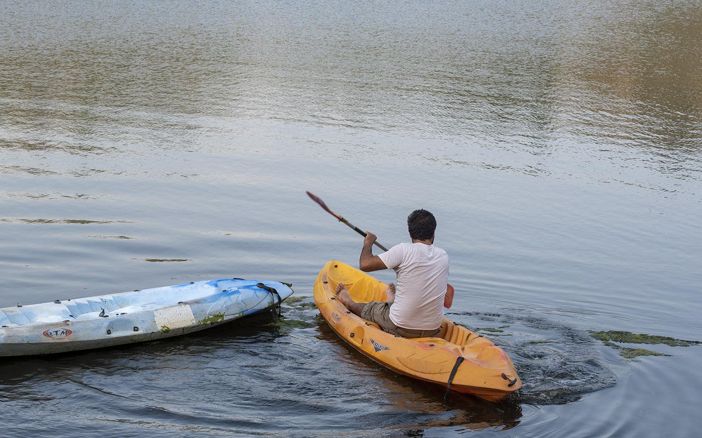 Márcio Spinola num kayak